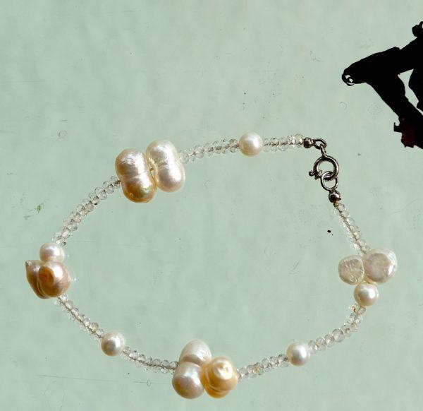 Armbånd med ferskvands perle , kvarts