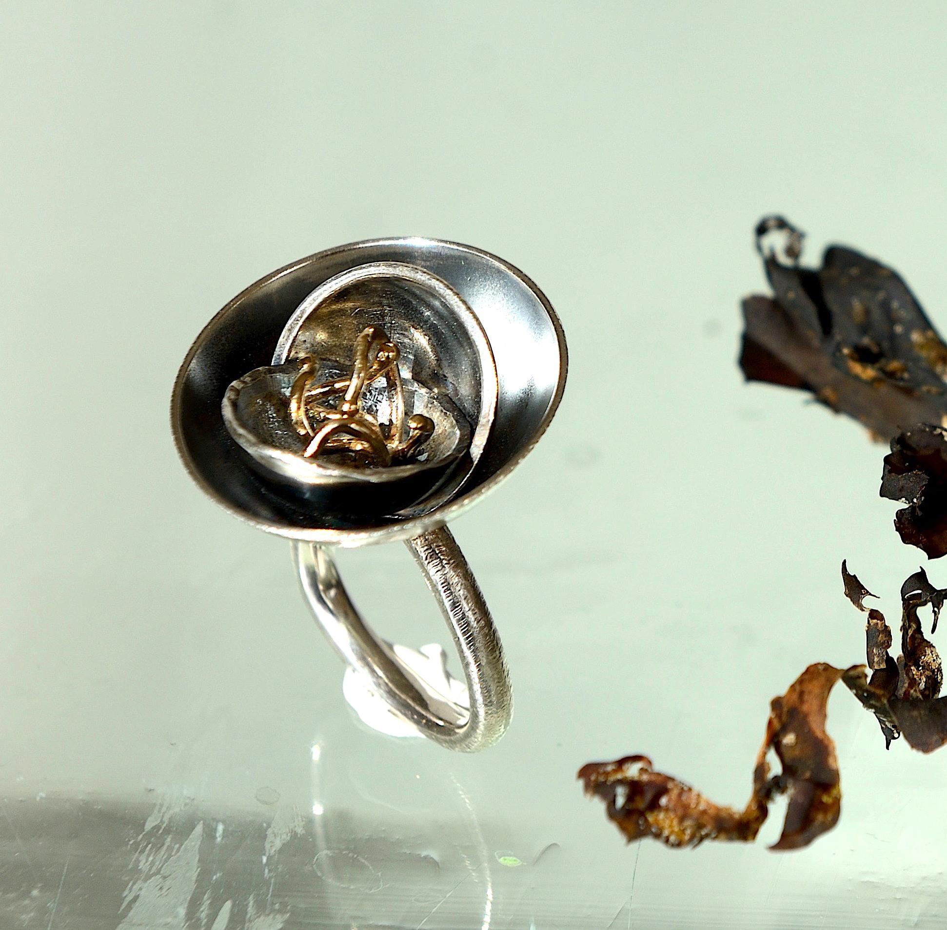 Natur ring oxideret sterling sølv 925s, skåle. Med 14kt 585 guld støvfanger